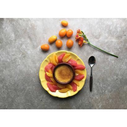 Crème brûlée with oranges