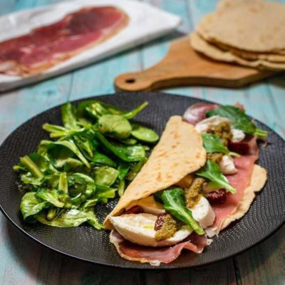 Piadine with italian flavours
